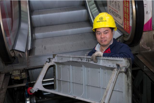桂林自动扶梯大修方案