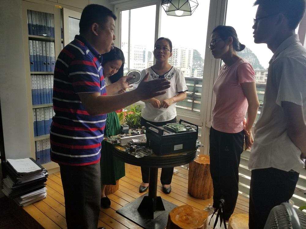 欢迎广西玉林农业学校的老师和同学来我公司调研
